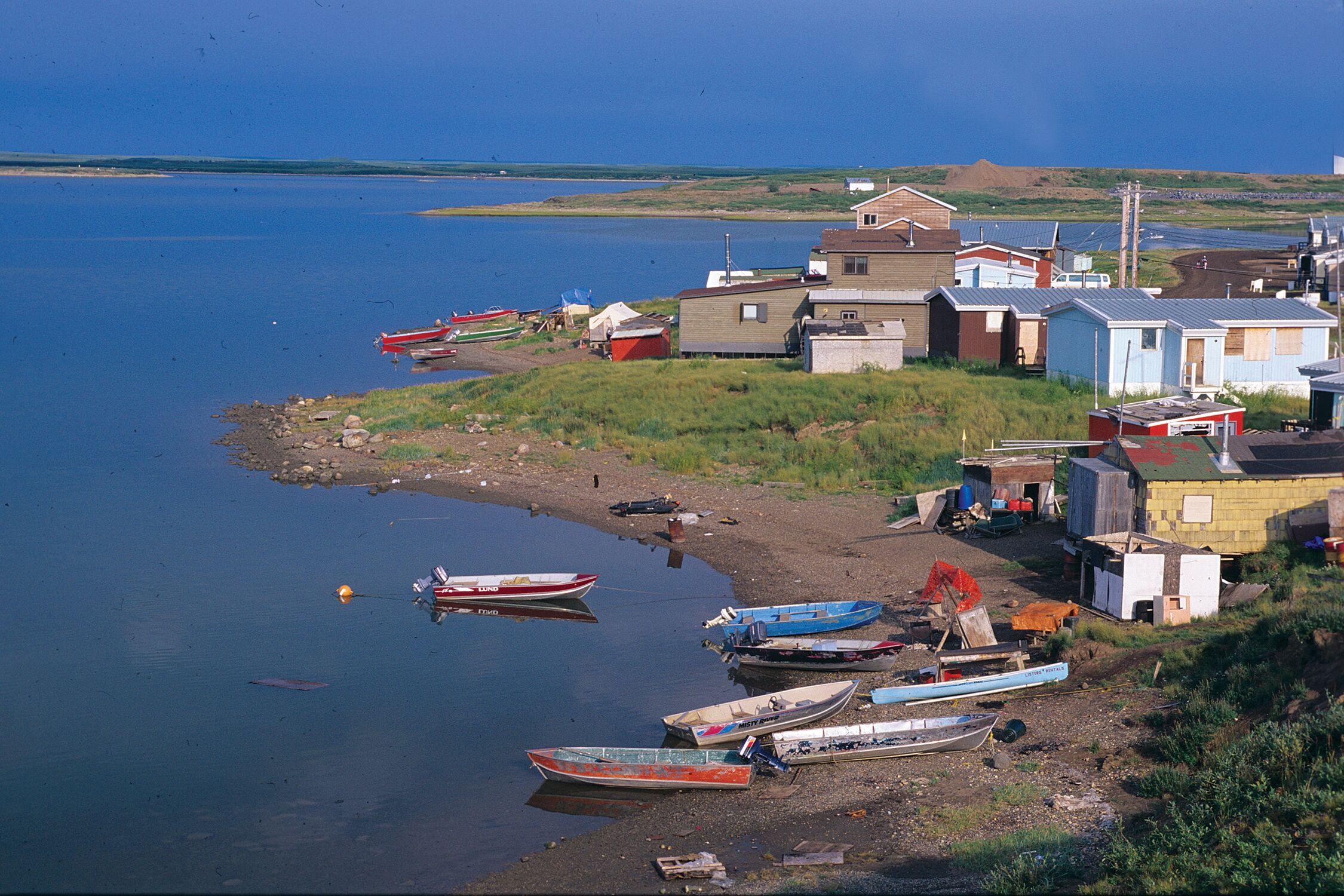 Image of shoreline, Northwest Territories